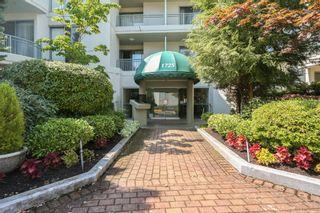Photo 2: 206 1725 MARTIN Drive in Surrey: Sunnyside Park Surrey Condo for sale (South Surrey White Rock)  : MLS®# R2604978