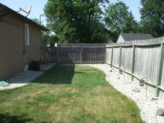 Photo 4: 42 Inman Avenue in WINNIPEG: St Vital Residential for sale (South East Winnipeg)  : MLS®# 1215433