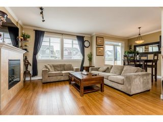 """Photo 3: 37 7168 179 Street in Surrey: Cloverdale BC Townhouse for sale in """"OVATION"""" (Cloverdale)  : MLS®# R2081705"""