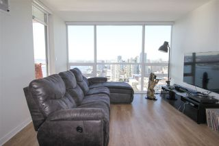 Photo 2: 2005 125 COLUMBIA STREET in New Westminster: Downtown NW Condo for sale : MLS®# R2242128