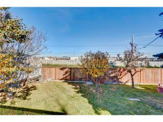 Photo 33: 5612 LADBROOKE Drive SW in Calgary: Lakeview House for sale : MLS®# C4036600