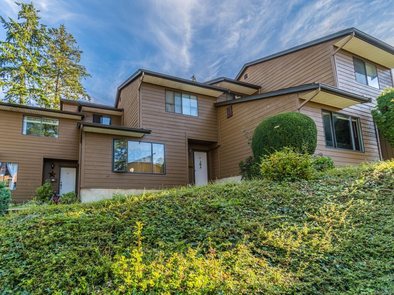 Main Photo: 12 855 Howard Ave in : Na South Nanaimo Row/Townhouse for sale (Nanaimo)  : MLS®# 885950