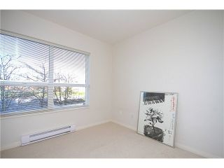 """Photo 6: 23 7088 LYNNWOOD Drive in Richmond: Granville Townhouse for sale in """"LAUREL WOODS"""" : MLS®# V997701"""