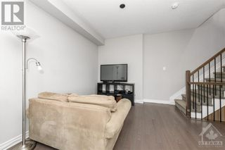 Photo 10: 84 STOCKHOLM PRIVATE in Ottawa: House for sale : MLS®# 1258634