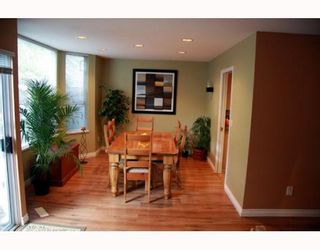 """Photo 3: 38 2990 PANORAMA Drive in Coquitlam: Westwood Plateau Townhouse for sale in """"WESBROOK VILLAGE"""" : MLS®# V768307"""