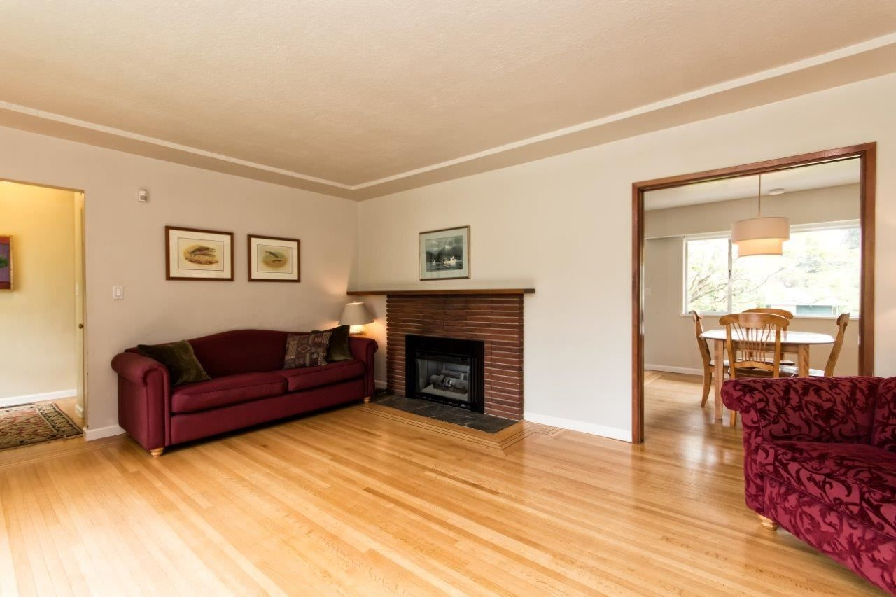 """Photo 13: Photos: 915 E 13TH Street in North Vancouver: Boulevard House for sale in """"Grand Boulevard"""" : MLS®# R2535688"""