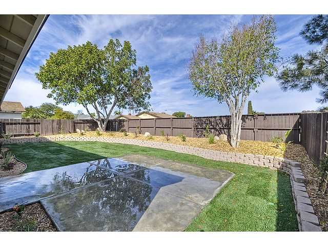 Photo 14: Photos: MIRA MESA House for sale : 3 bedrooms : 9076 Kirby Court in San Diego