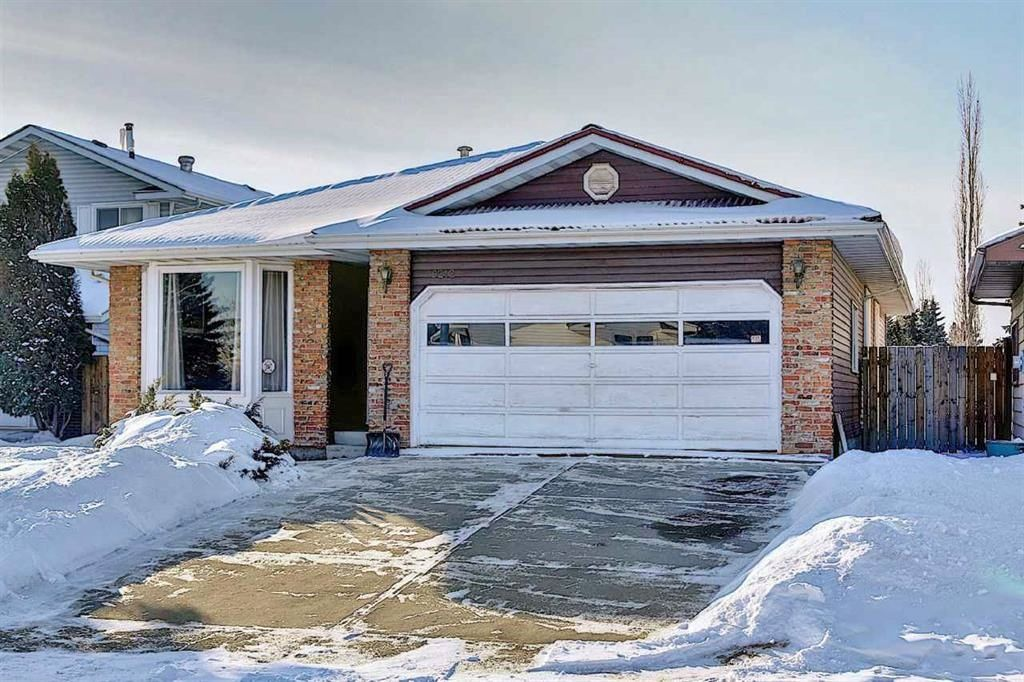Main Photo: Summerlea House for Sale - 9212 177A ST NW