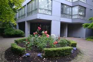 "Photo 1: 1002 2115 W 40TH Avenue in Vancouver: Kerrisdale Condo for sale in ""THE REGENCY"" (Vancouver West)  : MLS®# R2386272"