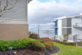 """Photo 18: 110 15621 MARINE Drive: White Rock Condo for sale in """"PACIFIC POINT"""" (South Surrey White Rock)  : MLS®# R2348468"""