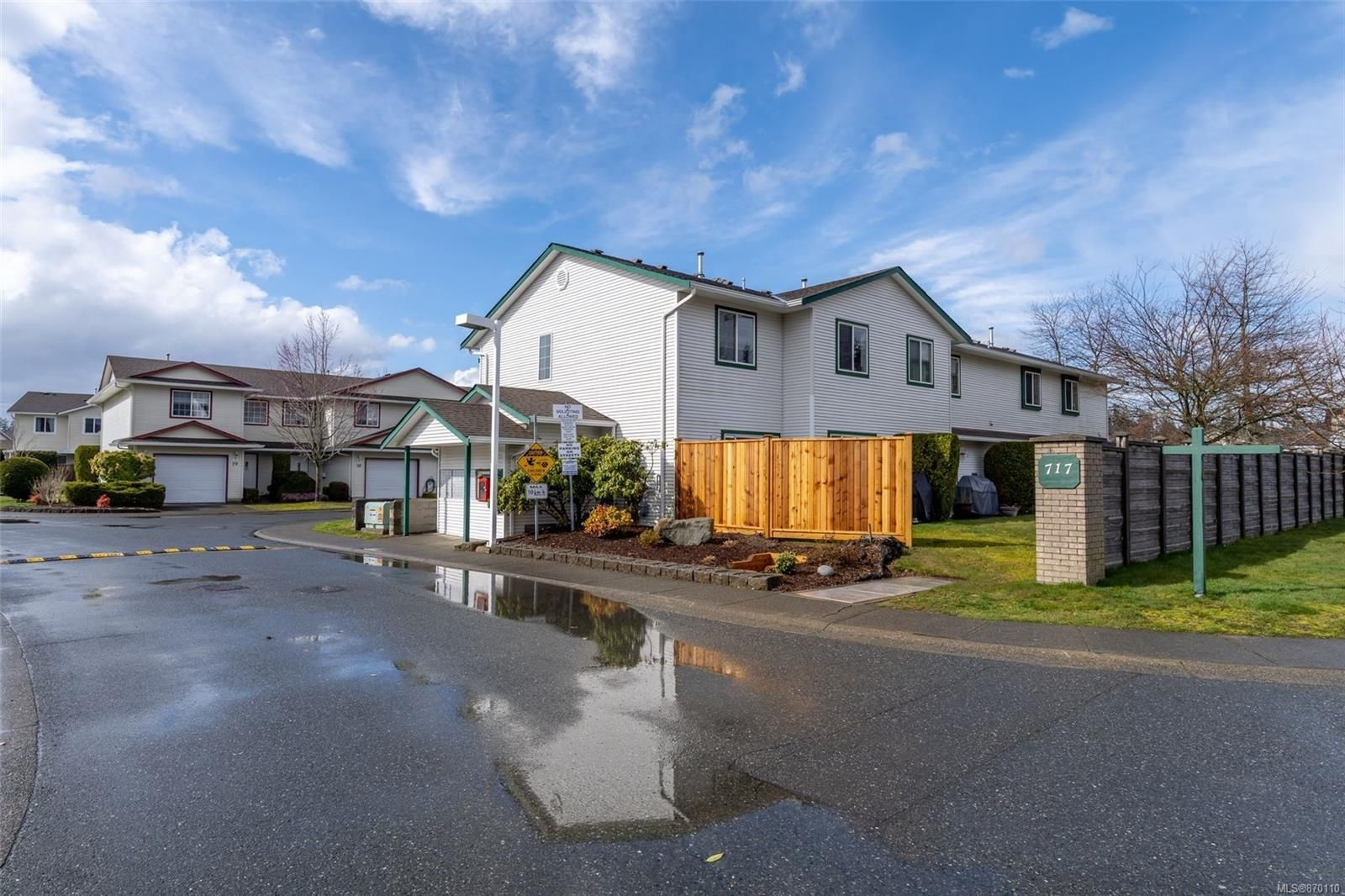 Main Photo: 73 717 Aspen Rd in : CV Comox (Town of) Row/Townhouse for sale (Comox Valley)  : MLS®# 870110