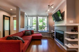 """Photo 3: 7488 MAGNOLIA Terrace in Burnaby: Highgate Townhouse for sale in """"CAMARILLO"""" (Burnaby South)  : MLS®# R2060023"""