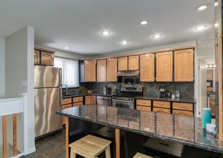 Photo 9: 72 Riverbirch Crescent SE in Calgary: Riverbend Detached for sale : MLS®# A1094288