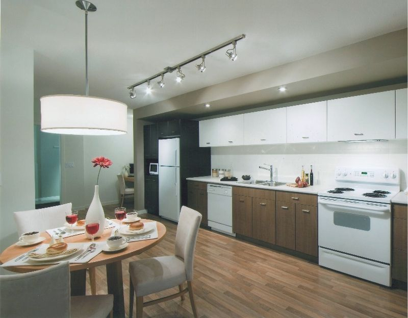Main Photo: 106 547 Yates Road in Kelowna: North Glenmore Apartment Unit for sale (Central Okanagan)  : MLS®# 9187769