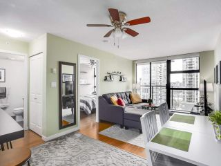 """Photo 3: 1907 1295 RICHARDS Street in Vancouver: Downtown VW Condo for sale in """"THE OSCAR"""" (Vancouver West)  : MLS®# R2539042"""