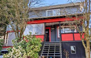 Photo 2: 2361 PRINCE ALBERT Street in Vancouver: Mount Pleasant VE House for sale (Vancouver East)  : MLS®# R2584732