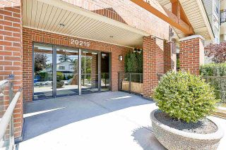 """Photo 6: 308 20219 54A Avenue in Langley: Langley City Condo for sale in """"Suede"""" : MLS®# R2526047"""