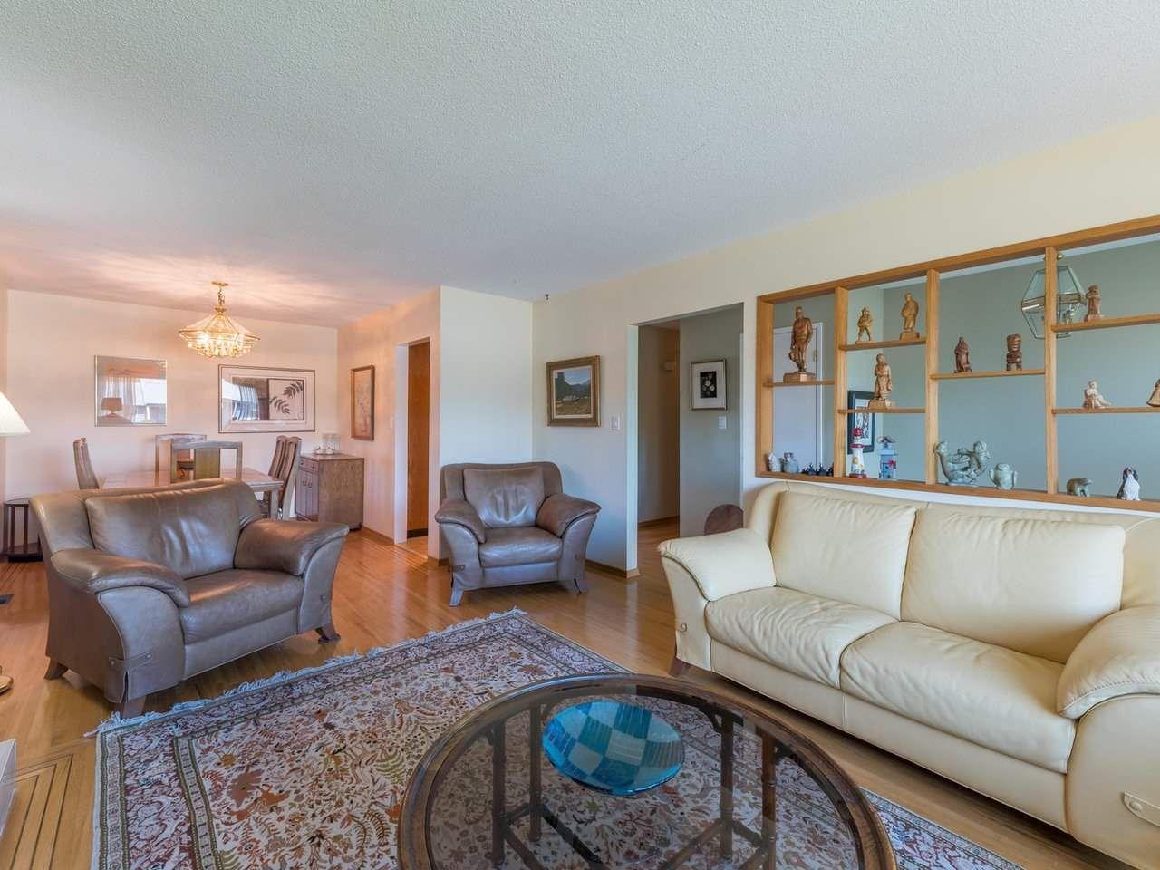 Photo 8: Photos: 808 REGAN Avenue in Coquitlam: Coquitlam West House for sale : MLS®# R2563486
