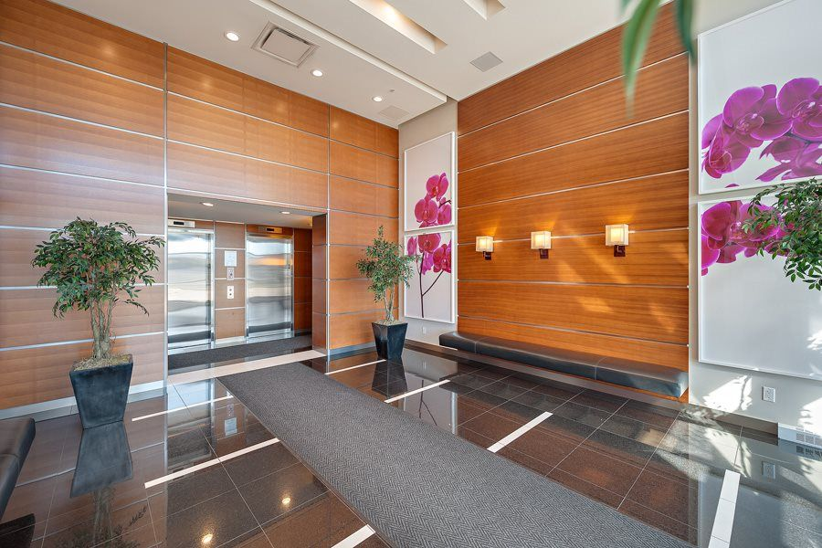 """Photo 2: Photos: 1002 3333 CORVETTE Way in Richmond: West Cambie Condo for sale in """"WALL CENTRE RICHMOND"""" : MLS®# R2054097"""