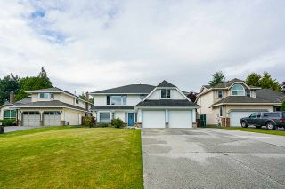 """Photo 1: 6165 NORTHPARK Place in Surrey: Panorama Ridge House for sale in """"Boundary Park"""" : MLS®# R2381145"""