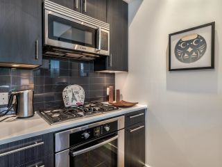 """Photo 12: TH5 619 FIFTH Avenue in New Westminster: Uptown NW Townhouse for sale in """"VICEROY"""" : MLS®# R2593947"""
