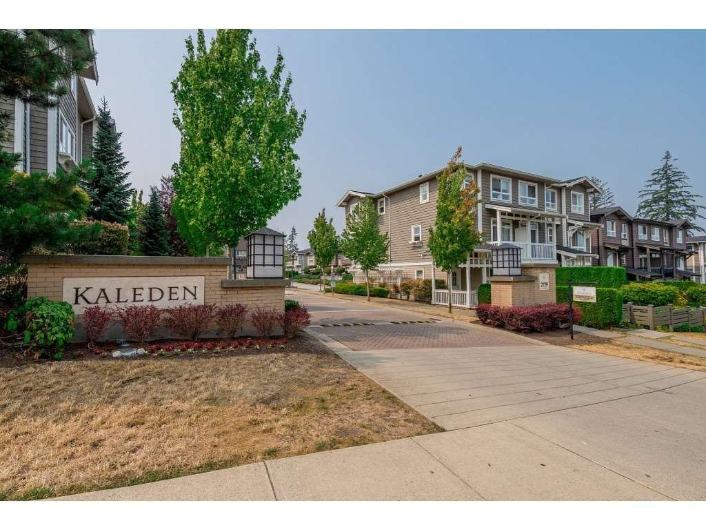 """Main Photo: 96 2729 158 Street in Surrey: Grandview Surrey Townhouse for sale in """"The Kaleden"""" (South Surrey White Rock)  : MLS®# R2338409"""
