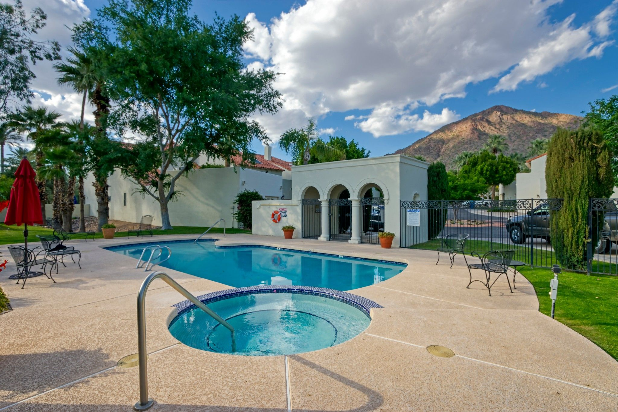 Photo 5: Photos: 4551 N 52nd Place in Phoenix: Arcadia Condo for sale : MLS®# 6246268