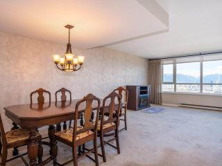 """Photo 6: 1707 6070 MCMURRAY Avenue in Burnaby: Forest Glen BS Condo for sale in """"LA MIRAGE"""" (Burnaby South)  : MLS®# R2443753"""