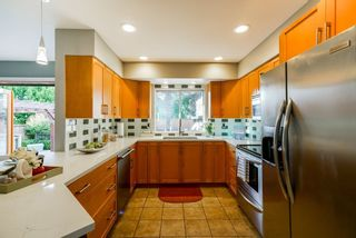 "Photo 5: 5215 4TH Avenue in Delta: Pebble Hill House for sale in ""Pebble Hill"" (Tsawwassen)  : MLS®# R2362224"