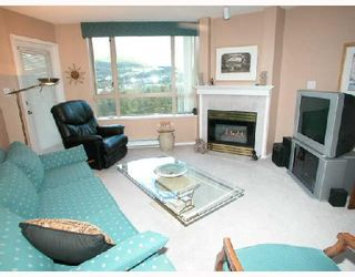"""Photo 2: 1501 1199 EASTWOOD Street in Coquitlam: North Coquitlam Condo for sale in """"THE SELKIRK"""" : MLS®# V672556"""
