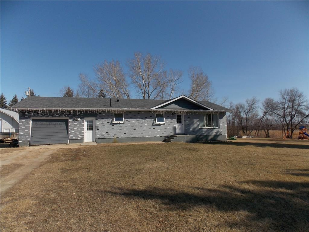 Main Photo: 30105 84 Road North: East Selkirk Residential for sale (R02)  : MLS®# 202107136