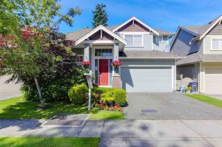 Photo 1: 7065 180 STREET in Surrey: Cloverdale BC House for sale (Cloverdale)  : MLS®# R2381267