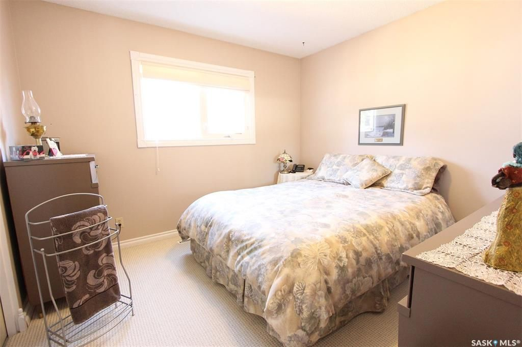 Photo 13: Photos: 1212 Cook Drive in Prince Albert: Crescent Heights Residential for sale : MLS®# SK806050