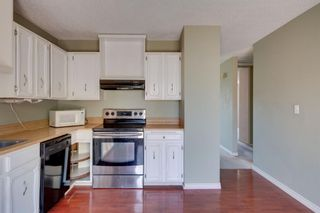 Photo 6: 136 Silvergrove Road NW in Calgary: Silver Springs Semi Detached for sale : MLS®# A1098986