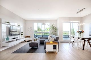 """Photo 1: PH3 5555 DUNBAR Street in Vancouver: Dunbar Condo for sale in """"5555 Dunbar"""" (Vancouver West)  : MLS®# R2081616"""