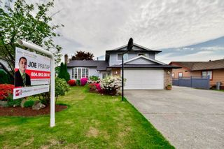 Photo 1: 14776 87A Avenue in Surrey: Bear Creek Green Timbers House for sale : MLS®# R2062304