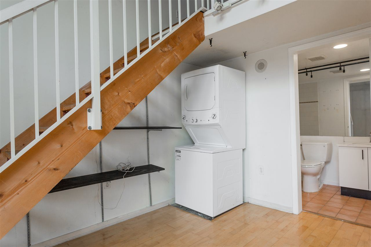 """Photo 4: Photos: 411 22 E CORDOVA Street in Vancouver: Downtown VE Condo for sale in """"Van Horne"""" (Vancouver East)  : MLS®# R2547163"""