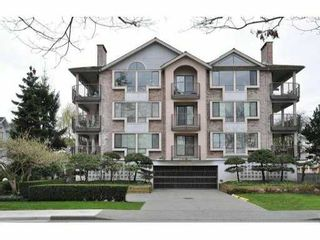 """Photo 1: 104 7140 GRANVILLE Avenue in Richmond: Brighouse South Condo for sale in """"PARKVIEW COURT"""" : MLS®# V999557"""