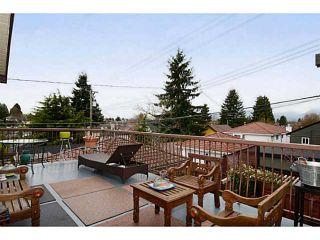 "Photo 18: 835 E 32ND Avenue in Vancouver: Fraser VE House for sale in ""FRASER"" (Vancouver East)  : MLS®# V1056460"