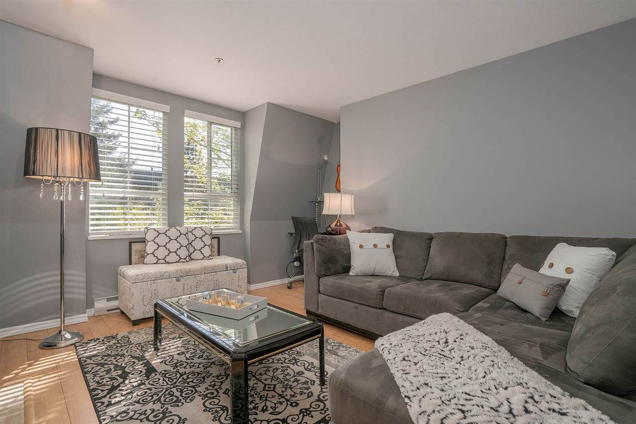 "Photo 4: Photos: 313 295 SCHOOLHOUSE Street in Coquitlam: Maillardville Condo for sale in ""CHATEAU ROYALE"" : MLS®# R2262209"