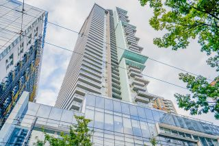 """Main Photo: PH7 777 RICHARDS Street in Vancouver: Downtown VW Condo for sale in """"TELUS GARDEN"""" (Vancouver West)  : MLS®# R2621285"""