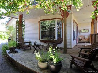 Photo 2: 3314 Ninth St in CUMBERLAND: CV Cumberland House for sale (Comox Valley)  : MLS®# 616056