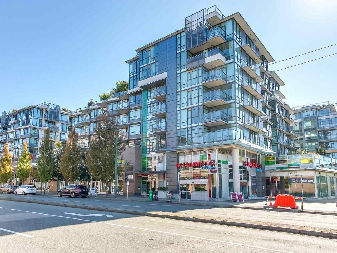"""Main Photo: 375 2080 W BROADWAY in Vancouver: Kitsilano Condo for sale in """"PINNACLE LIVING ON BROADWAY"""" (Vancouver West)  : MLS®# R2211453"""