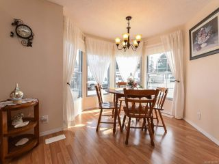 Photo 4: 18 1240 WILKINSON ROAD in COMOX: CV Comox Peninsula Manufactured Home for sale (Comox Valley)  : MLS®# 780089
