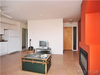 Photo 3: Photos: 304 932 Johnson St in VICTORIA: Vi Downtown Condo for sale (Victoria)  : MLS®# 601947