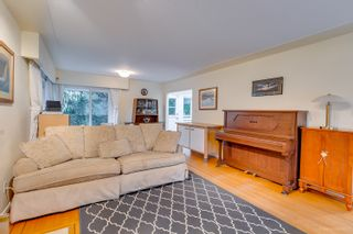 """Photo 6: 1381 CHINE Crescent in Coquitlam: Harbour Chines House for sale in """"Harbour Chines"""" : MLS®# R2262482"""