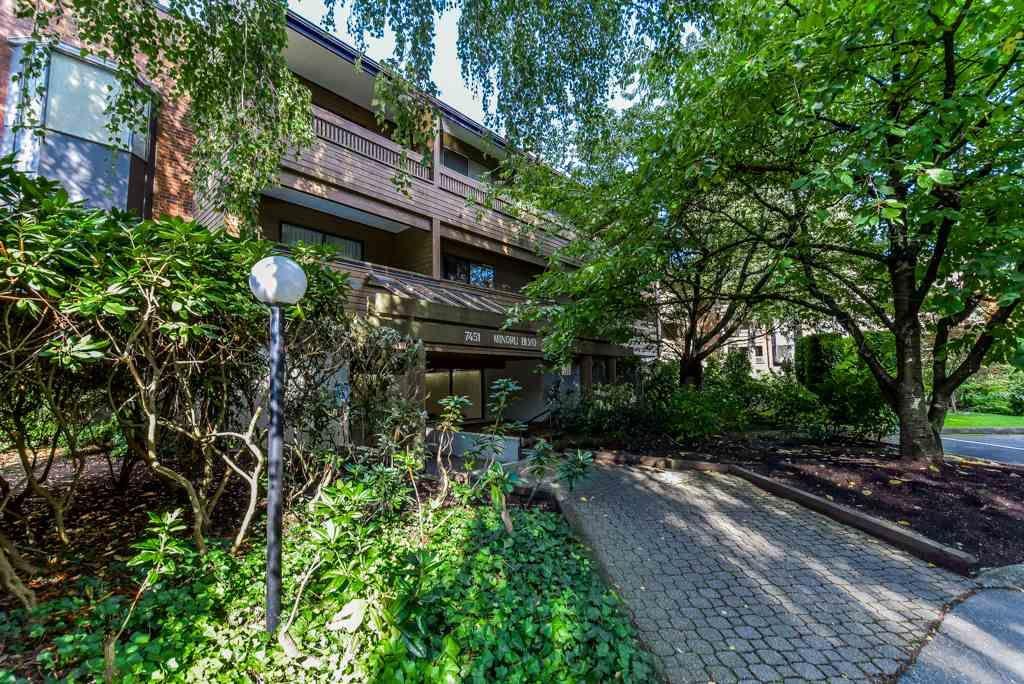 "Main Photo: 139 7451 MINORU Boulevard in Richmond: Brighouse South Condo for sale in ""WOODRIDGE ESTATES"" : MLS®# R2310460"