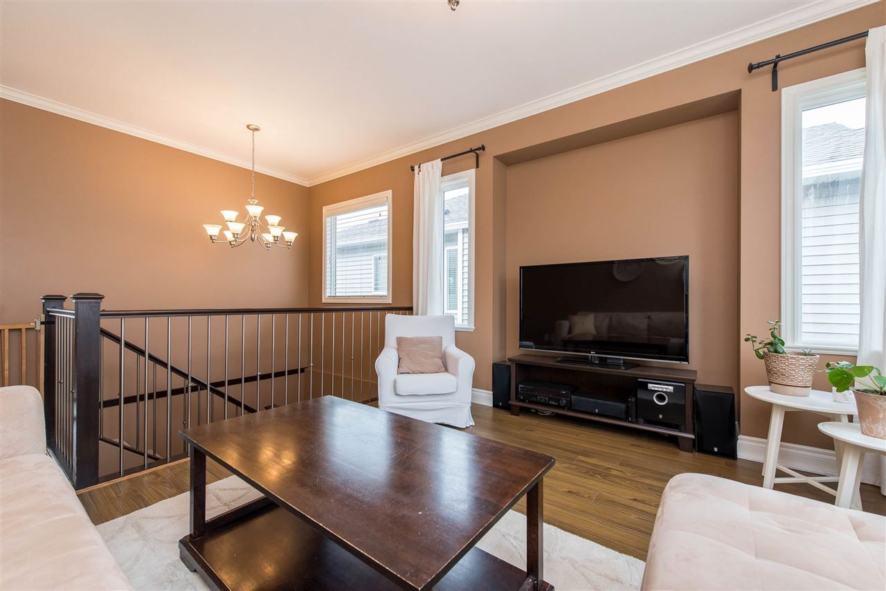 "Photo 10: Photos: 34914 2 Avenue in Abbotsford: Poplar House for sale in ""Huntingdon Village"" : MLS®# R2548984"