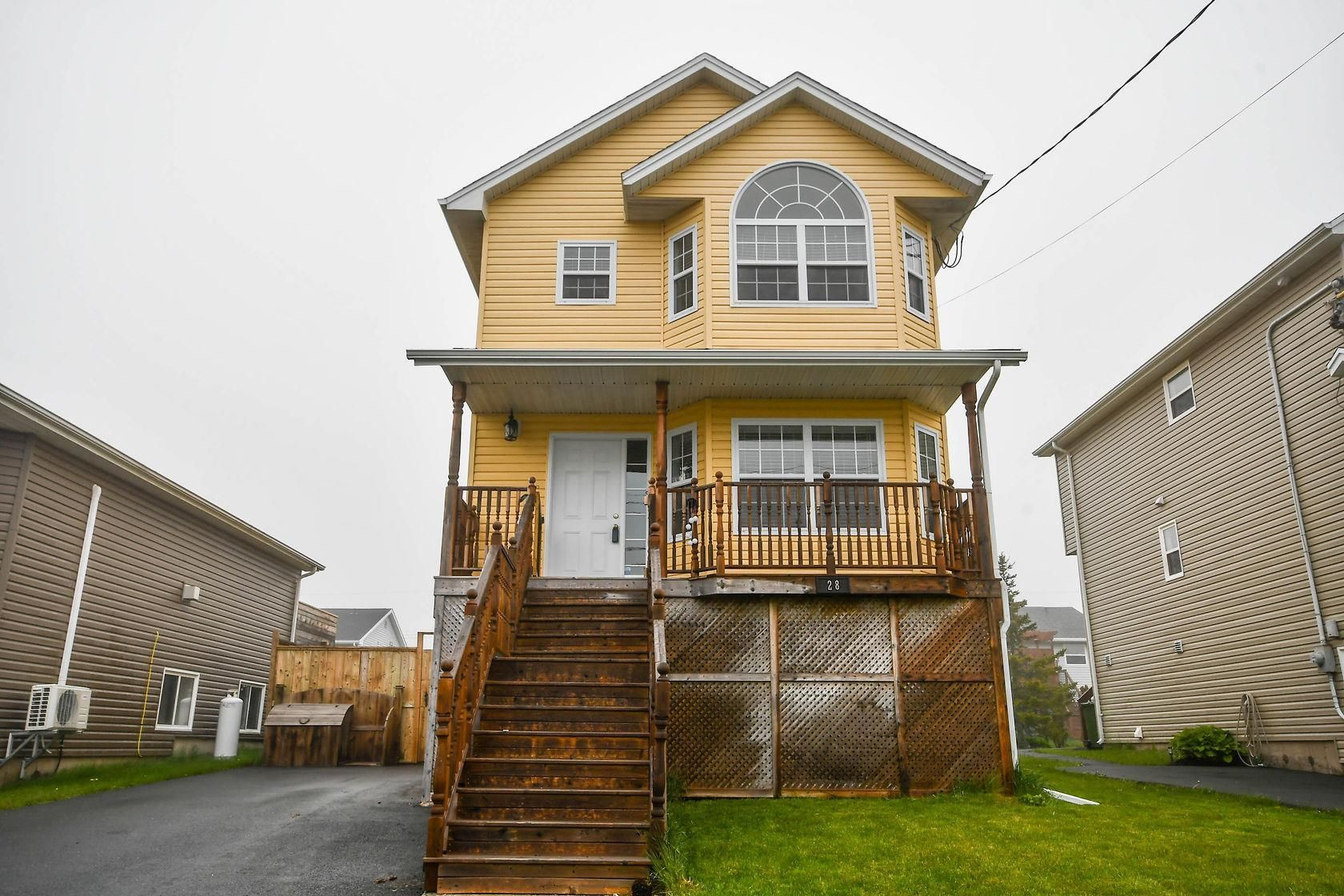 Main Photo: 28 Vicky Crescent in Eastern Passage: 11-Dartmouth Woodside, Eastern Passage, Cow Bay Residential for sale (Halifax-Dartmouth)  : MLS®# 202113609
