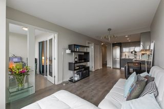 """Photo 2: 913 445 W 2ND Avenue in Vancouver: False Creek Condo for sale in """"The Maynard"""" (Vancouver West)  : MLS®# R2618424"""